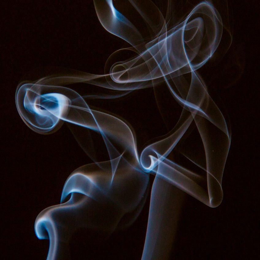 Leg og læring – Denne gang med frugtfarve og røgelsespinde